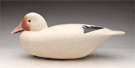 Large, hollow carved snow goose, John Holloway, Florence, New Jersey.